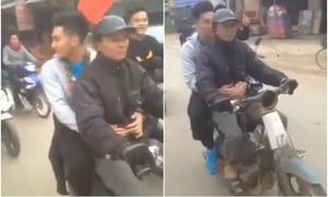 Thủ môn U23 Văn Hoàng từ chối xế sang để đi xe máy cùng bố về nhà