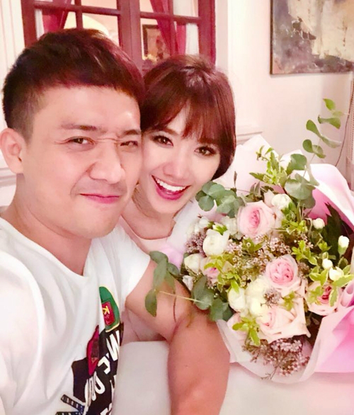 Trấn Thành - Hari Won chăm chỉ selfie chứng minh tướng phu thê là có thật - 9