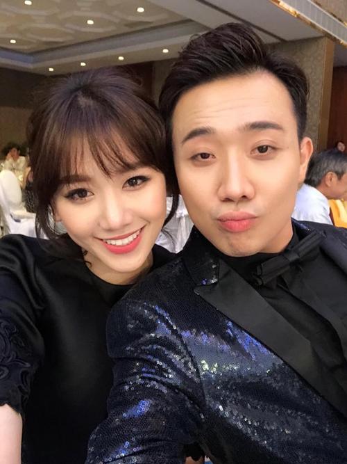 Trấn Thành - Hari Won chăm chỉ selfie chứng minh tướng phu thê là có thật - 10