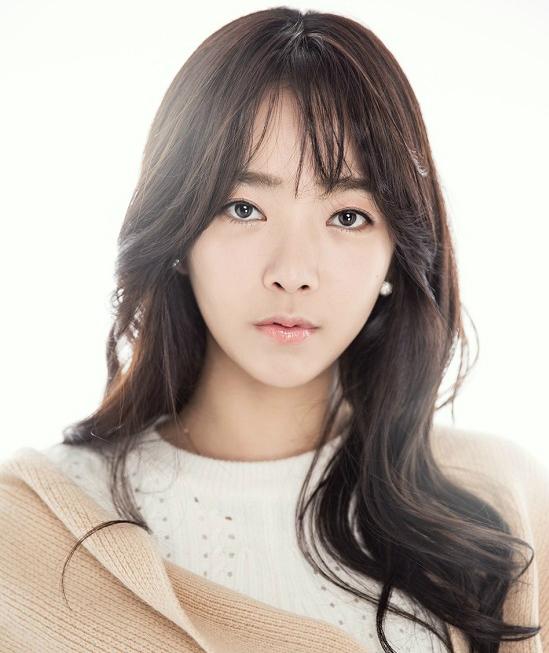 4 mỹ nhân trẻ đóng phim 17+ hot nhất Hàn Quốc - 12