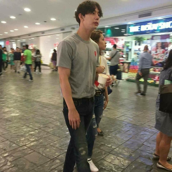 Bức ảnh Chi Pu khoác tay Jin Ju Hyung lại khiến fan xôn xao.