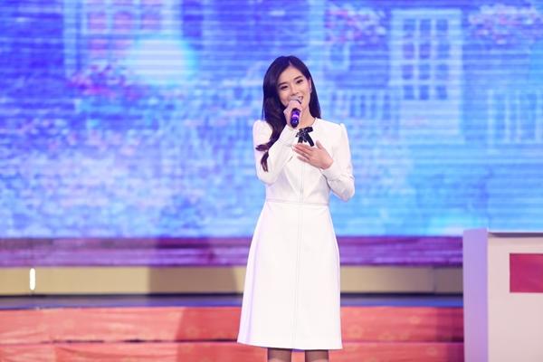 Hoàng Yến Chibi lần đầu kéo mẹ và em trai lên sân khấu hòa giọng - 6