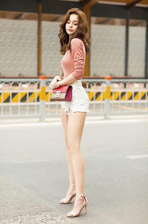 Street style đẹp miễn chê những ngày cận Tết của sao, hot girl Việt - 4