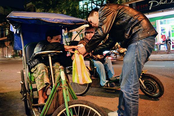 Cô gái 9x kêu gọi quyên góp quà cho người nghèo đón Tết - 4