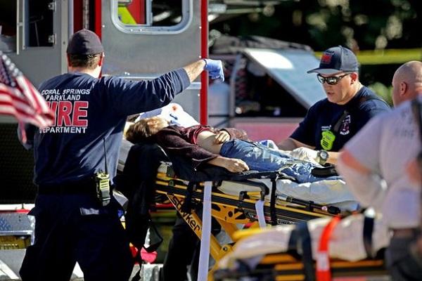 Thanh niên 19 tuổi xả súng vào trường học ngày Valentine khiến 17 người thiệt mạng - 4