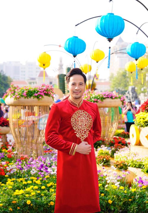 Dàn trai đẹp Vbiz đại náo đường hoa Nguyễn Huệ đầu năm - 9