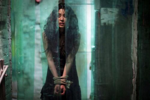 Diễn xuất kinh ngạc của Lee Byung Hyun trong bộ phim gắn mác quá bạo lực - 1