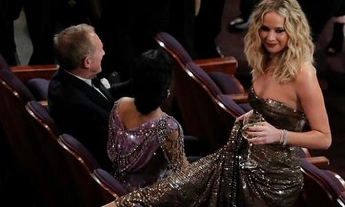 Jennifer Lawrence: Cô nàng lắm chiêu 'độc nhất vô nhị' ở Hollywood