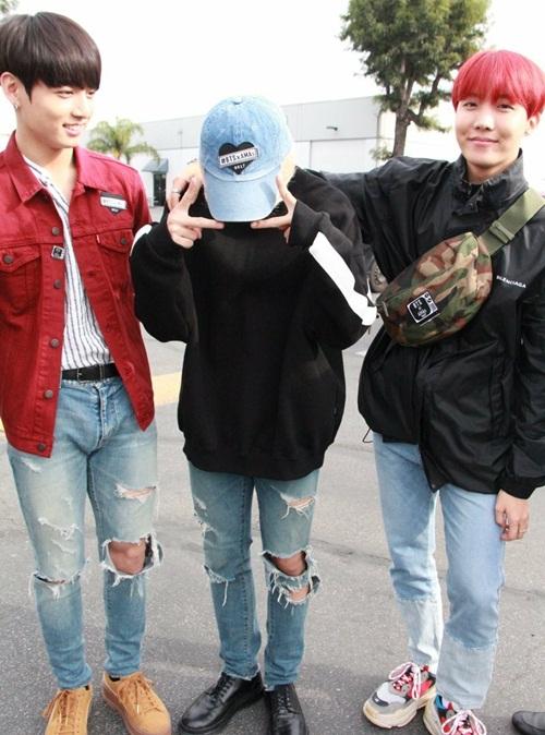 Loạt idol Hàn thể hiện phong cách với chiếc túi hot nhất - 4