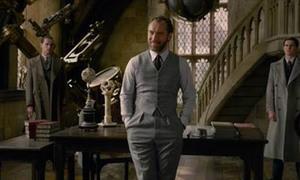 Lộ dung mạo thời trẻ của thầy Dumbledore trong 'Harry Potter'
