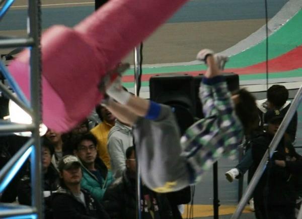 Những lần idol Hàn gặp sự cố nguy hiểm trong show thực tế - 4
