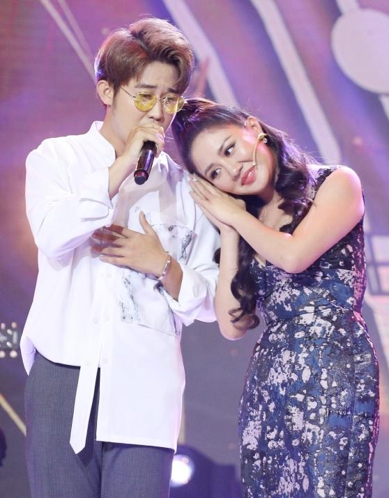 Bùi Anh Tuấn bất chấp sai luật chơi để giành hot boy với Văn Mai Hương - 1
