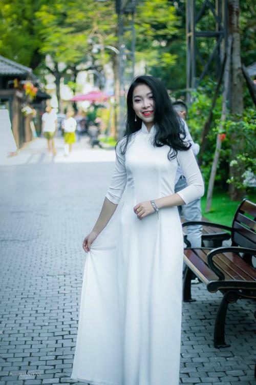 Cao Thị Mỹ Hoa, sinh năm 1998, Trung cấp 2, chuyên ngành thanh nhạc.