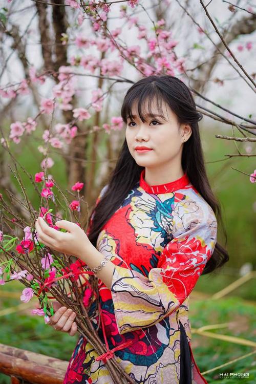 Nguyễn Phương Minh, sinh năm 2001, Trung cấp 5, chuyên ngành tỳ bà.