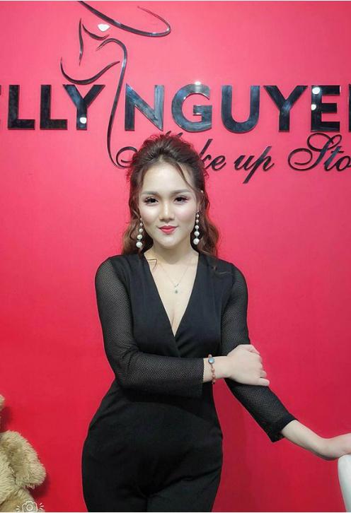 Đinh Thị Phương Thảo, sinh năm 1995, Đại học 2, khoa thanh nhạc.