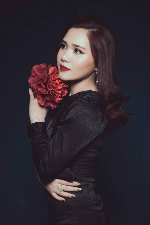 Trần Thị Mai Hương, sinh năm 1991. Hiện đang theo học học Đại học 1, chuyên ngành thanh nhạc.