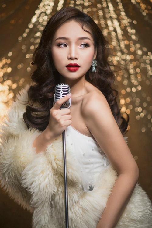 Trần Phương Mai, sinh năm 1997. Hiện đang theo học Đại học 2, chuyên ngành thanh nhạc.