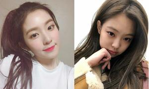 Đang bận quay MV, Jennie vẫn có thời gian 'buôn chuyện' với Irene