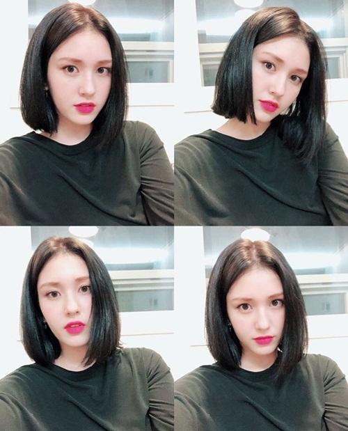 Thành viên I.O.I từng tâm sự bị bắt nạt vì ngoại hình khác biệt. Cô nàng luôn cố để có hình ảnh giống người Hàn. Fan nhận xét mái tóc rẽ ngôi khiến Somi có phần già dặn hơn nhưng hợp với khuôn mặt.
