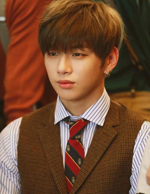 Kang Daniel có xuất thân bình thường, là người đén từ công ty nhỏ.