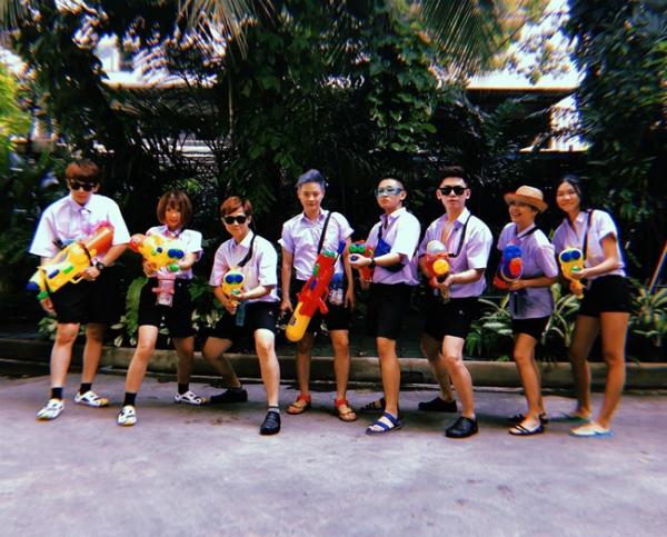 Dàn sao Việt chơi trội với quần áo loè loẹt tại lễ hội té nước Thái Lan - 8