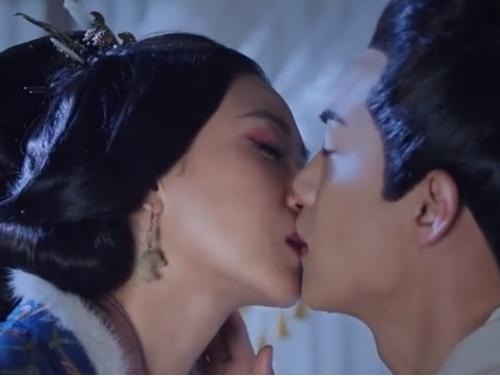 4 nụ hôn bị ném đá nhiều nhất trên màn ảnh Hoa ngữ - 3