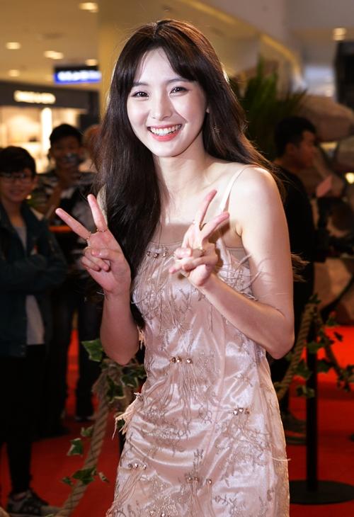 Hot girl Thái Lan Nene được Lý Hải - Minh Hà mời tham gia vào dự án.