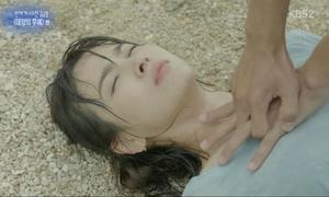 Khi các 'thánh soi' bắt lỗi, phim Hàn nổi tiếng cũng không qua mắt được