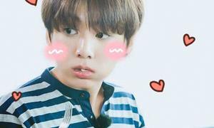 Những trai đẹp Kpop khiến netizen sẵn sàng 'mua cơm cho'