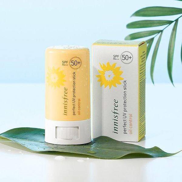 Sáp chống nắng dạng thỏi của Innisfree có chỉ số SPF50, bảo vệ da tối ưu trước tia UVA, UVB (làm tổn thương da) và giảm thiểu sự hình thành sắc tố melamine (gây đen sạm da). Sản phẩmchiết xuất từ hoa hướng dương kết hợp với phức hợp trà xanh có tác dụng chống tia tử ngoại, ngăn tiết mồ hôi và bã nhờn trên da.