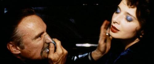 Con búp bê bí ẩn trong Blue Velvet khiến khán giả tò mò suốt 30 năm - 1