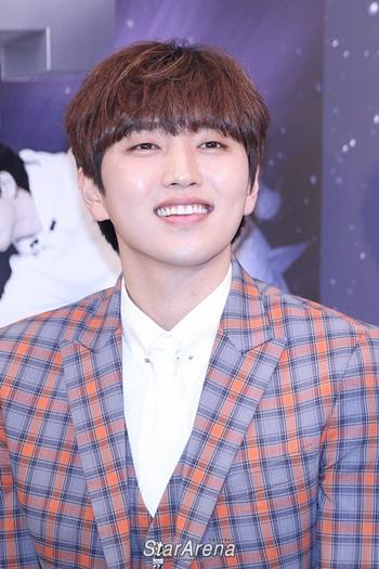 Điểm danh tên thật ít ai biết của các idol Kpop (2)