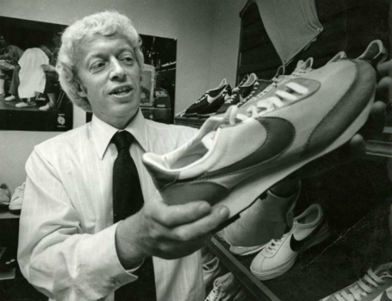 nike-phil-knight-cortez-8613-1526366881.jpg