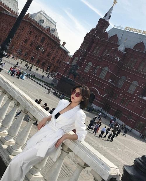 ha-jiwon-5935-1526559925.jpg