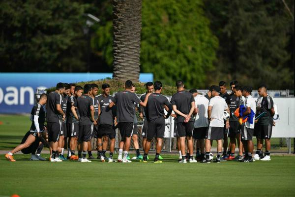 Các cầu thủ Mexico tập luyện trước World Cup.