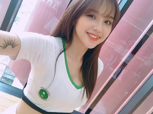 Cô bạn Đỗ Linh cũng chia sẻ sẽ hết mình cổ vũ cho đội tuyển Ả Rập Saudi.