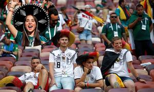 Kẻ khóc, người cười sau màn thua 'muối mặt' của ĐT Đức