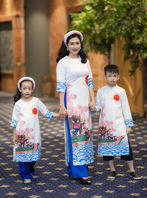 Dv-Ha-Huong-va-hai-con-8573-1529895851.jpg