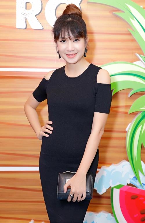 Lý Hải - Minh Hà tình tứ chúc mừng đoàn phim Lộ mặt - 1
