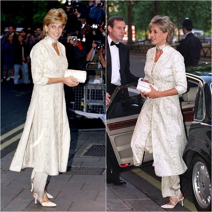 <p> Công nương Diana mặc một bộ shalwar kameez (trang phục truyền thống Ấn Độ) đính trân châu ngà ngọc đến dự một buổi gây quỹ ung thư ở London vào ngày 4/7/1996.</p>
