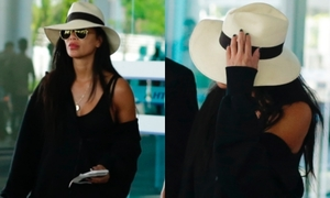 Nicole Scherzinger cố tránh đám đông khi đến Đà Nẵng