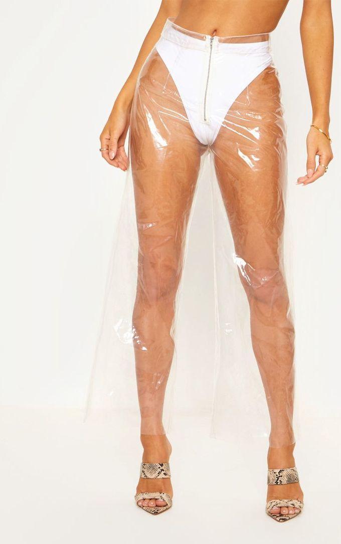 """<p> Với thiết kế thử nghiệm do người mẫu mặc, có thể thấy rằng muốn diện mẫu quần này bạn phải đảm bảo rằng có một chiếc quần chip cạp cao màu trắng phù hợp. Hiện chiếc quần """"áo mưa"""" này đang được bán với giá 39 USD.</p>"""