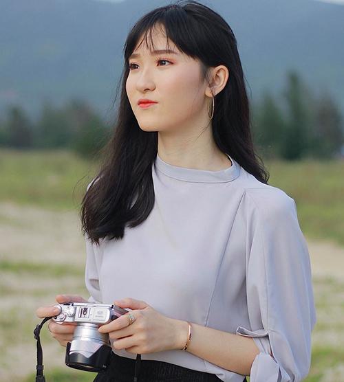 6 mỹ nhân 10x của Hoa hậu Việt Nam 2018: Người dịu dàng, kẻ nóng bỏng - page 2 - 4