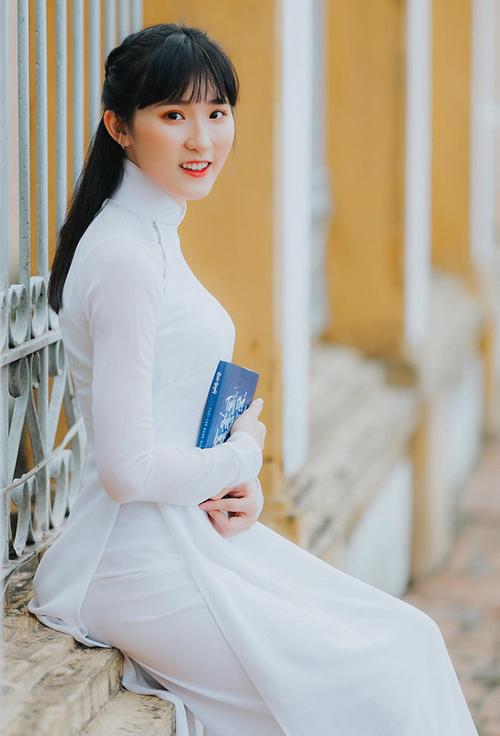 6 mỹ nhân 10x của Hoa hậu Việt Nam 2018: Người dịu dàng, kẻ nóng bỏng - page 2 - 5