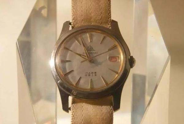Đồng hồ A581 nay chỉ còn là kỷ vật mang giá trị hoài cổ.