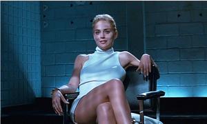 Hậu trường 'Basic Instinct': Tranh cãi về cảnh vắt chân nóng bỏng của Sharon Stone