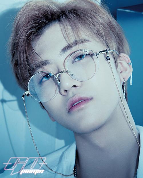 Các cậu bé trong dự án NCT của SM đang lớn và trở thành những visual thế hệ mới, nối tiếp truyền thông của công ty. Jae Min lột xác từ một cậu nhóc thành badboy trong ảnh teaser.