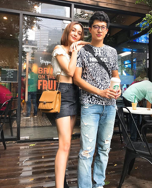 MLee và Harry Lu hẹn hò cà phê ngày mưa.