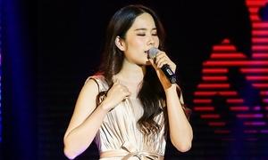 Nam Em lần đầu hát live ca khúc bị nghi ngờ đạo nhạc