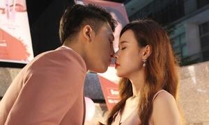 Midu - Harry Lu ngọt ngào như tình nhân khiến fan 'đau tim'